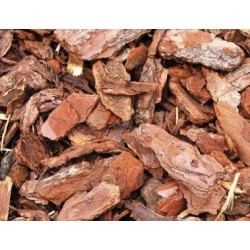 Pine bark chippings